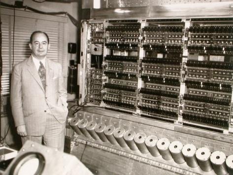 John-von-Neumann_and_his_computer_1952