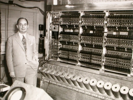 John-von-Neumann_and_his_computer_1952