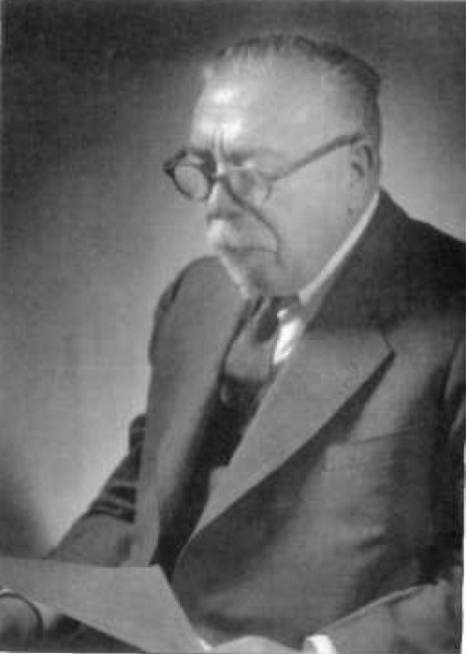 Wiener_official MIT portrait_1950s