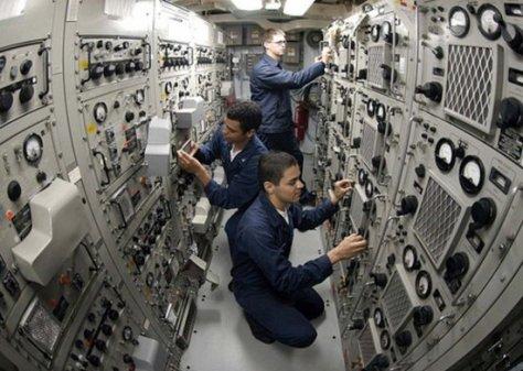 3-navy-radio