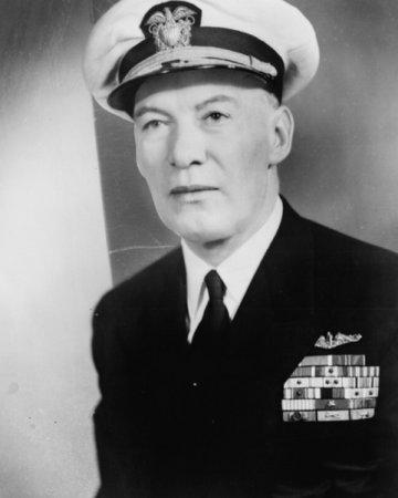3.Roscoe H.Hillenkoetter